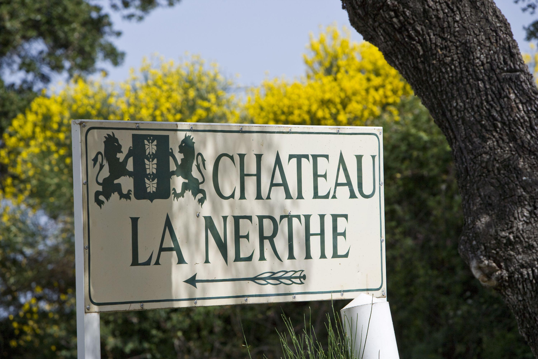 Vin chateau la nerthe ext rieur my wine life for Chateau la nerthe