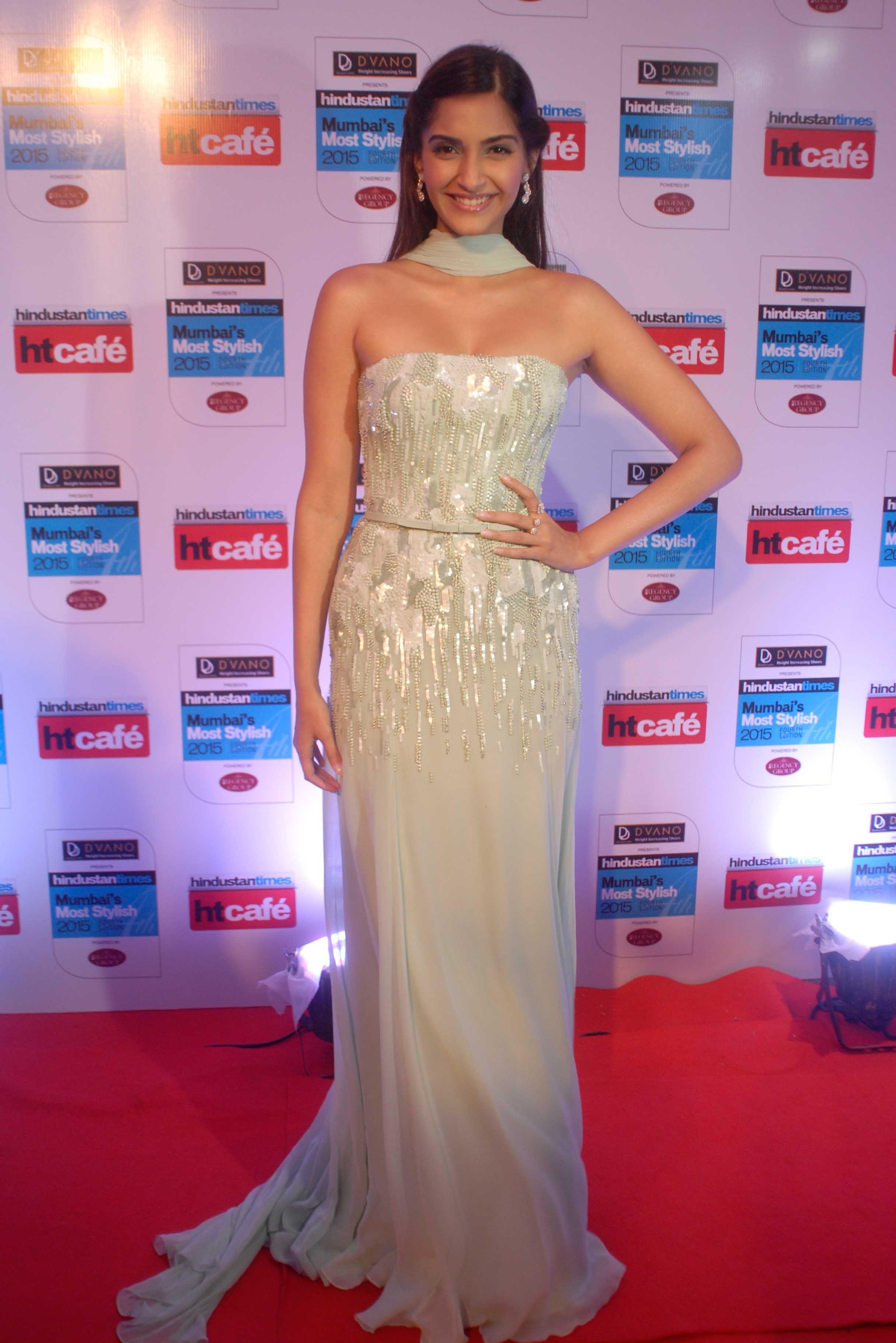 to wear - Times hindustan mumbai most stylish awards video