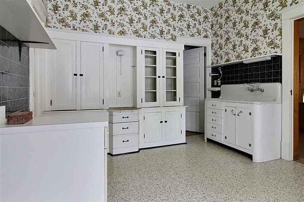 1906 Queen Anne Victorian kitchen in 2019 | Victorian ...