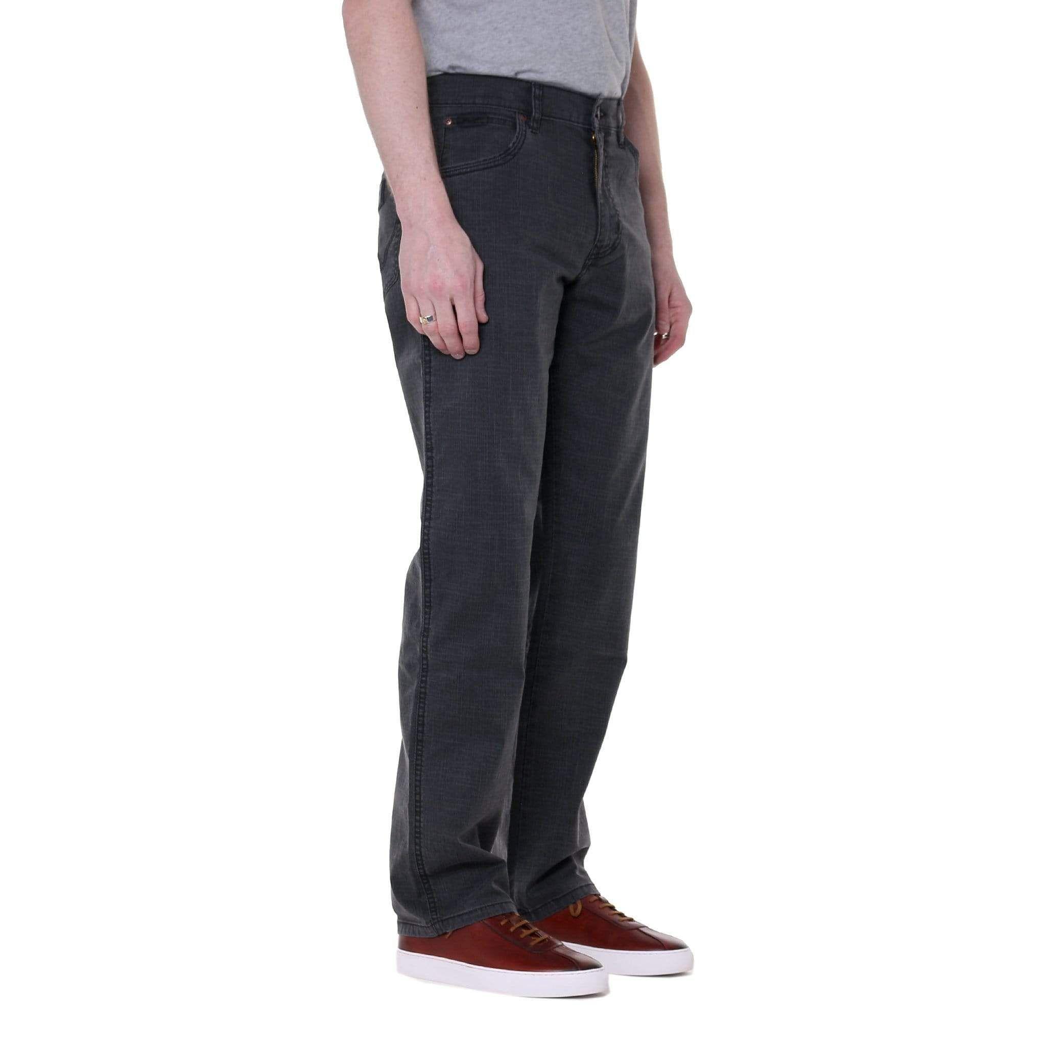 MENS WRANGLER TEXAS STRETCH REGULAR FIT STRAIGHT LEG ZIP FLY BLACK DENIM