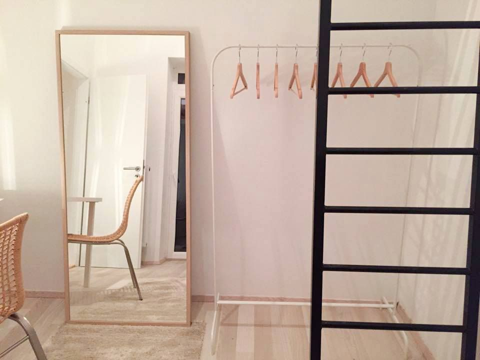 les 25 meilleures id es de la cat gorie mezzanine ikea sur pinterest chambre a coucher ikea. Black Bedroom Furniture Sets. Home Design Ideas