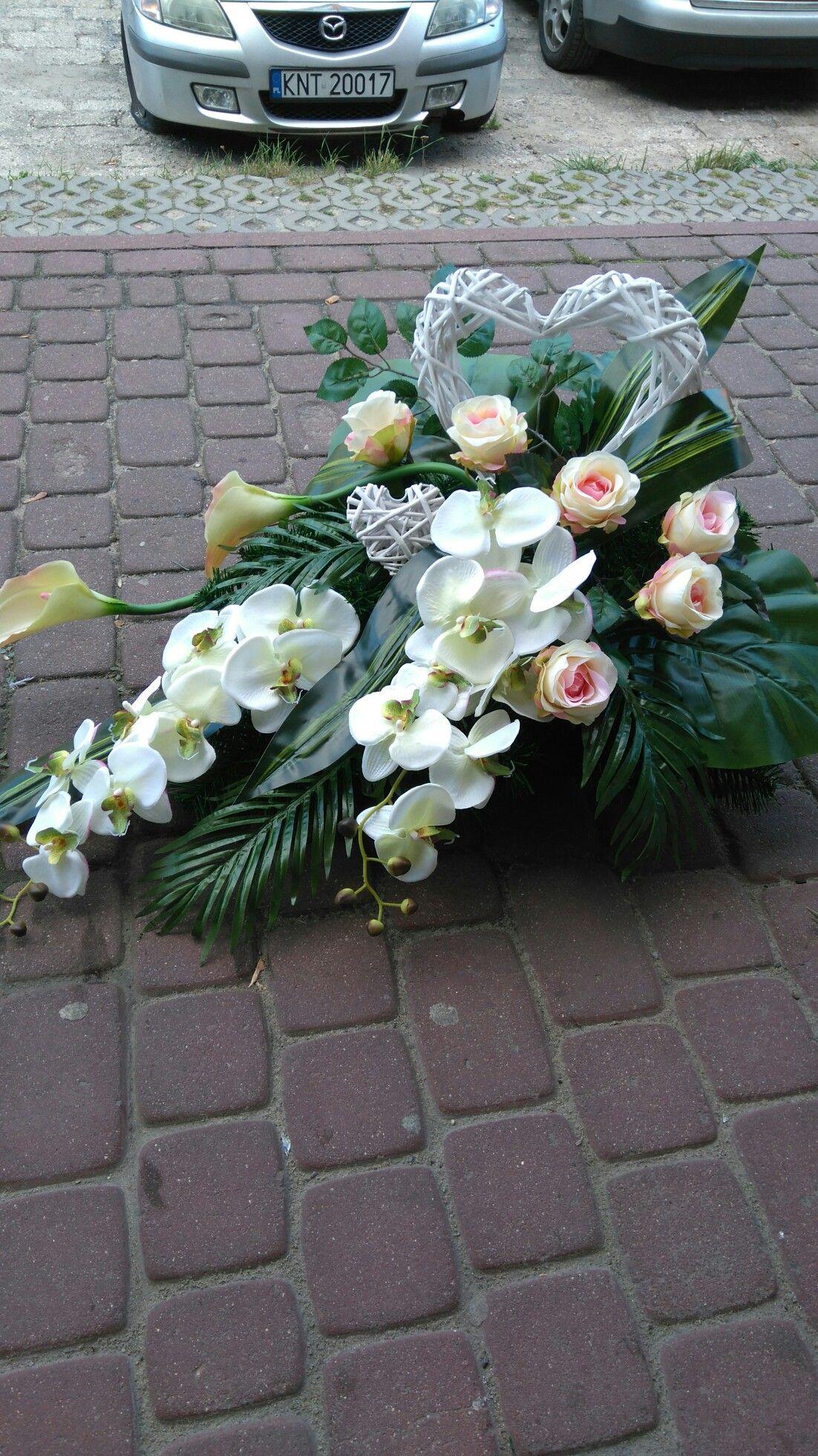 Pin By Malgorzata Kurowicka On Kompozycje Na Cmentarz Flower Arrangements Funeral Flowers Silk Flowers