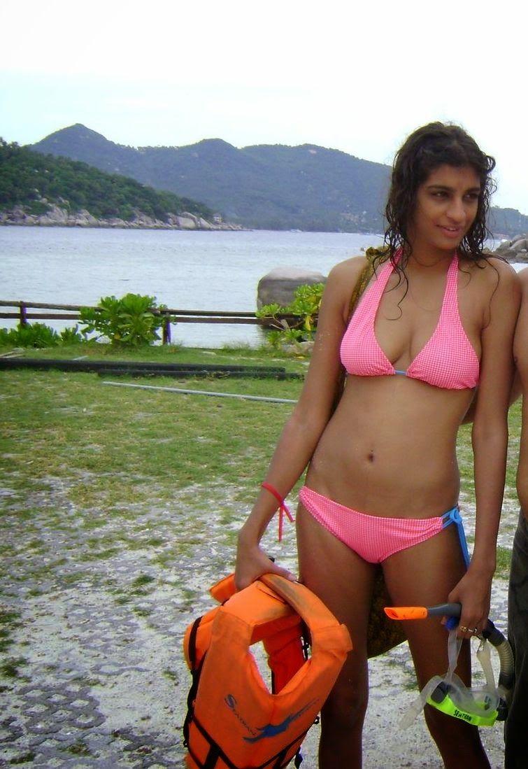 Desi Hot Indian Girls In Bikini On Beach Sexy Photos