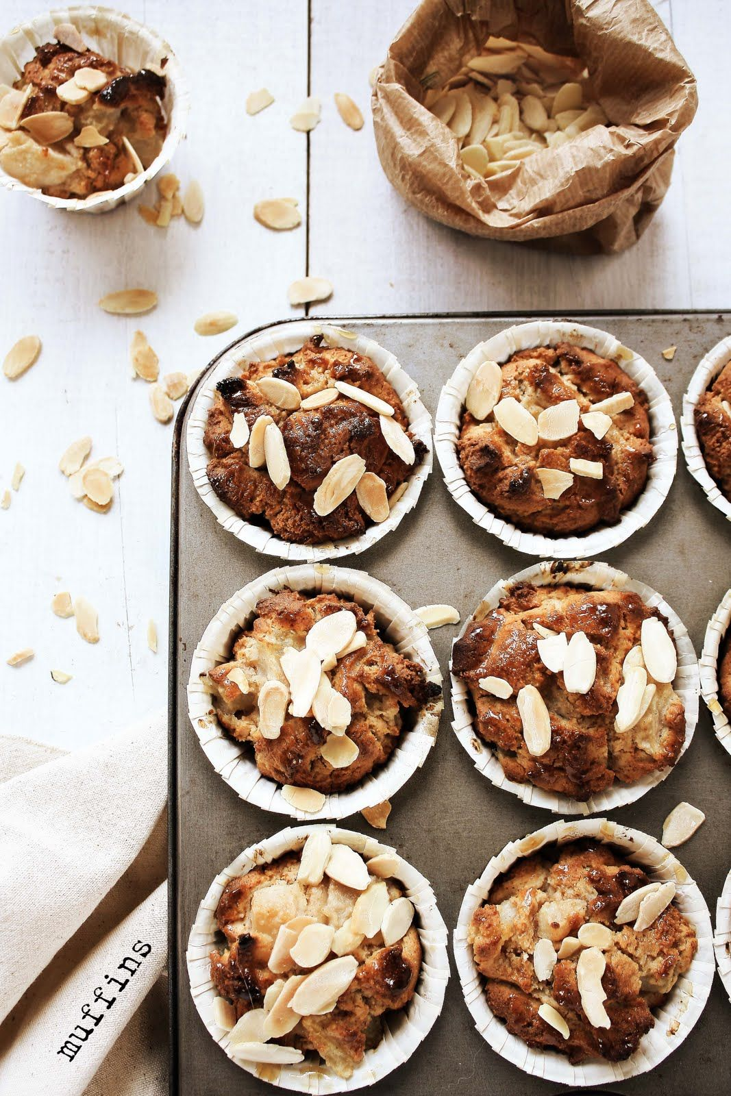 Pratos e Travessas: Muffins de pêra sem glúten # Gluten free pear muffins | Food, photography and stories