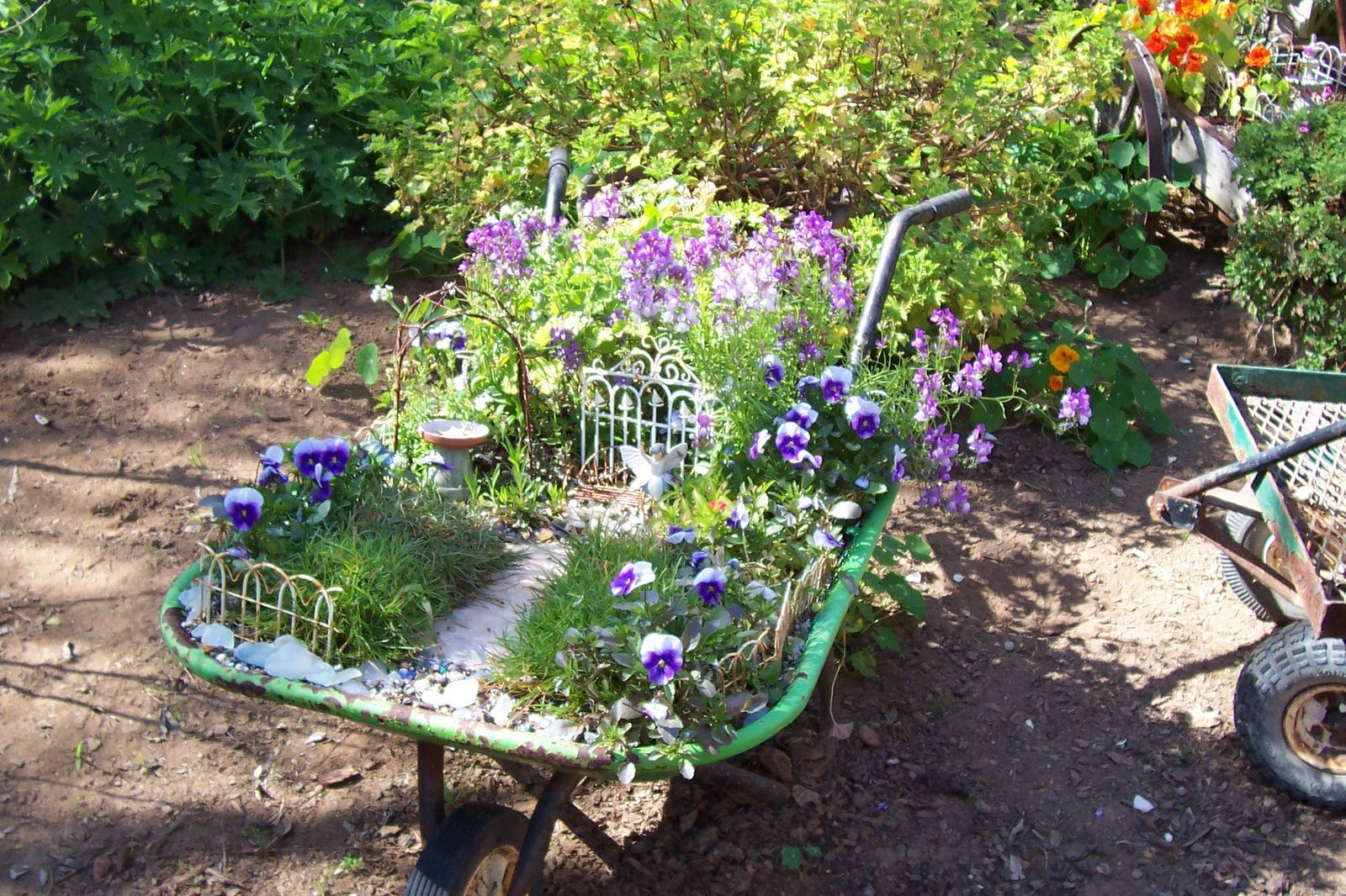 17 Best images about Fairy garden on Pinterest Gardens Stacking