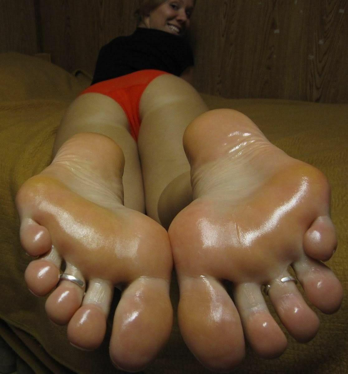 Pin von Cherek23 auf Soles and Toes | Füße, Frau
