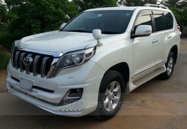 We Provide Pick And Drop Facility For Those Arriving At The Airport As Well As Those Who Need To Take A Flight Rent A Car Toyota Land Cruiser Prado Car