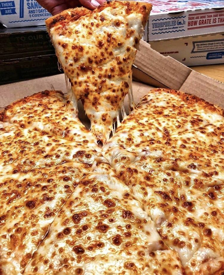 Pizza yummy discovered by Syrine on We Heart It