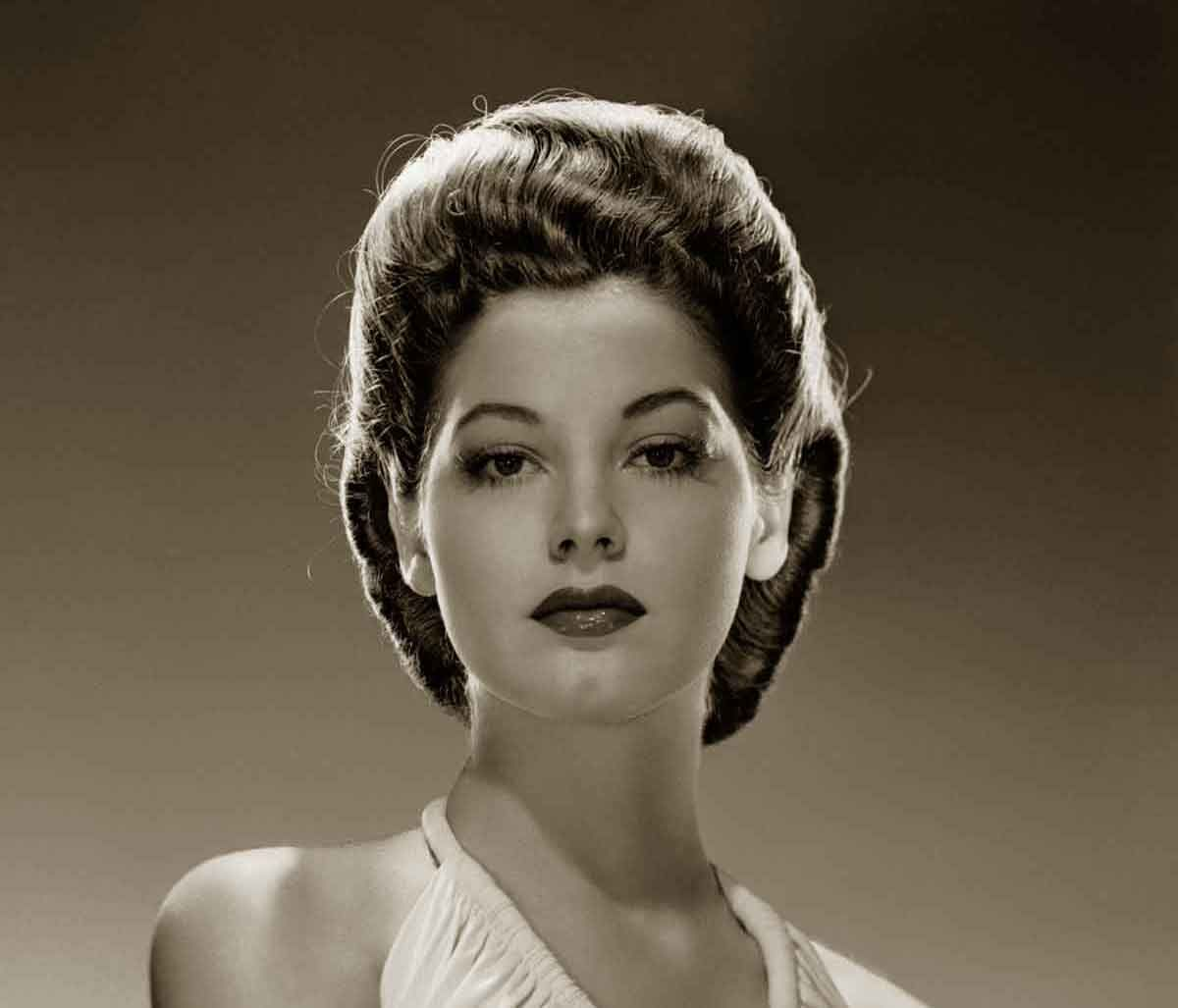 1940s hairstyles - memorable pompadours | vintage styling