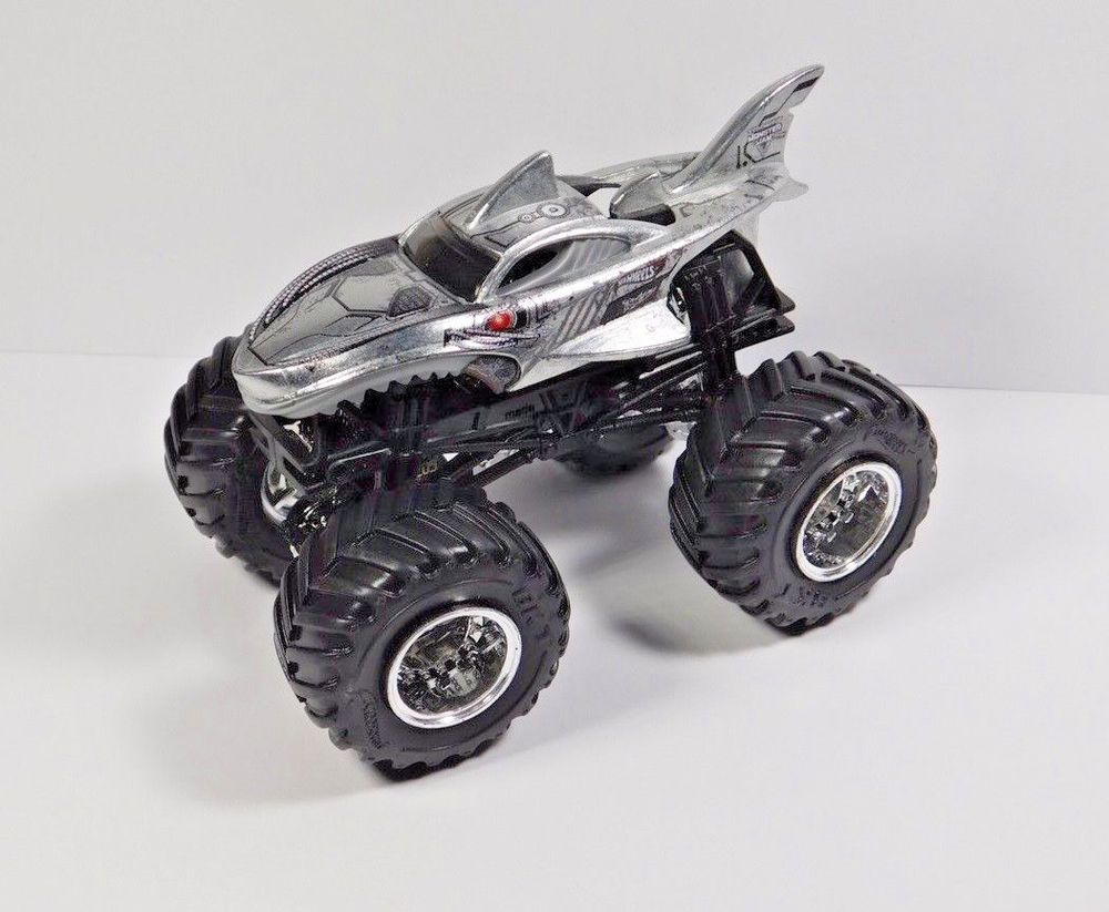 Cyborg Shark Hot Wheels Monster Jam 1 64 Scale Hot Wheels Monster Jam Hot Wheels Monster Jam