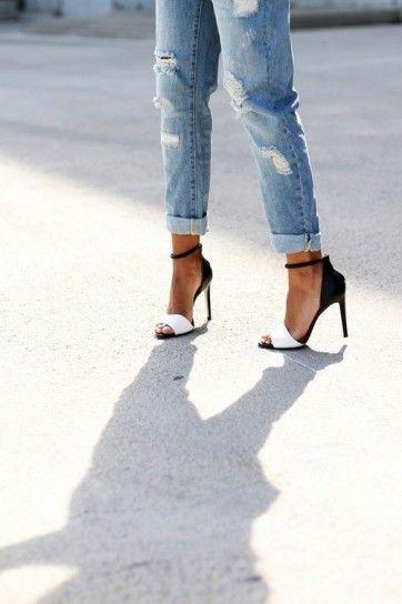 arrivo mammifero forte  Abbinamenti jeans boyfriend - Boyfriend jeans e sandali bicolor | Scarpe,  Stile di moda, Jeans boyfriend