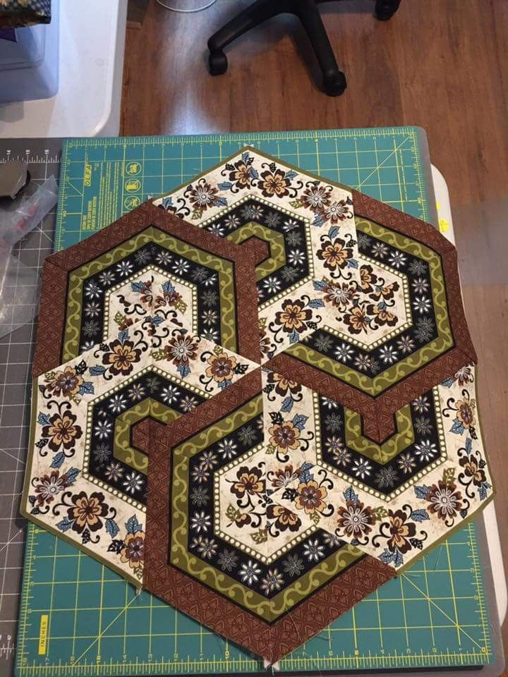 Would Be Great As A Centerpiece Base 11 Sew Quilting