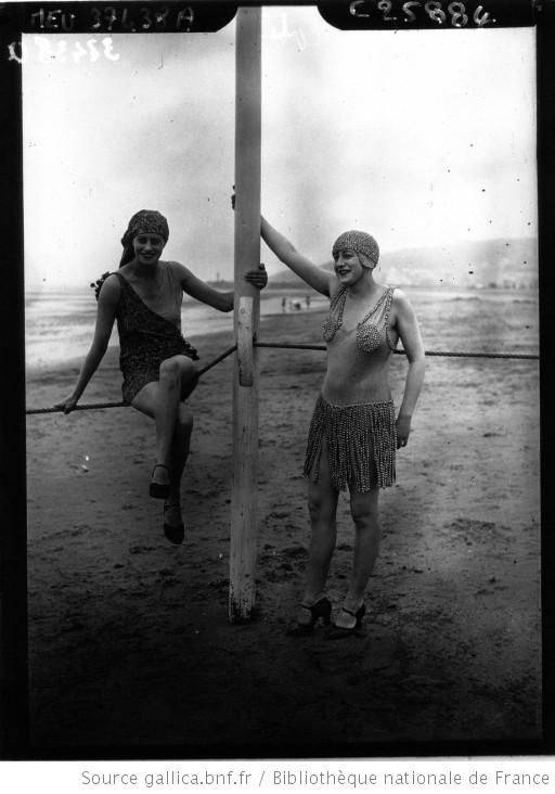 96b67272b161 Deauville   scène de plage    photographie de presse    Agence Meurisse -  1926
