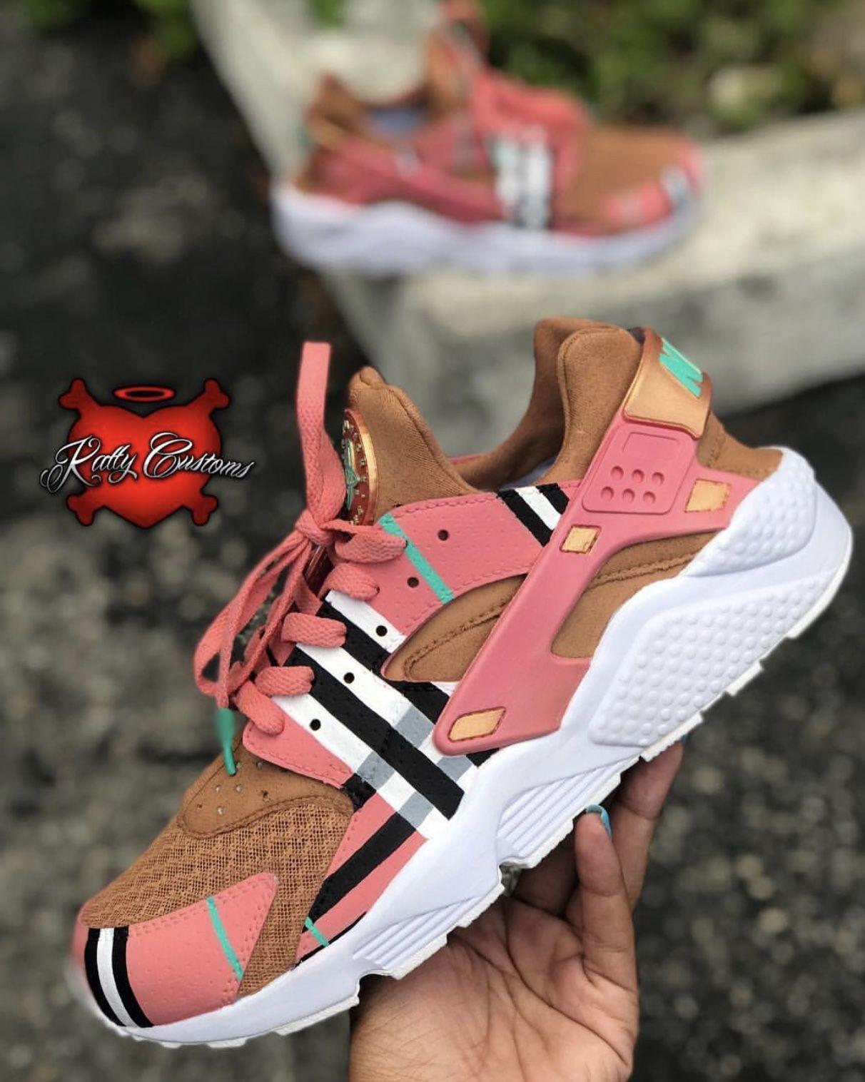 "Custom ""Salmon Burberry"" Nike Air"
