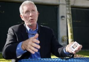 Mike Schmidt sat down at a picnic table beyond the left-field wall on a sunny morning at Bright House Field, then scooted over to seek the shade of some palm trees and a light tower. He wasn't taking any chances.