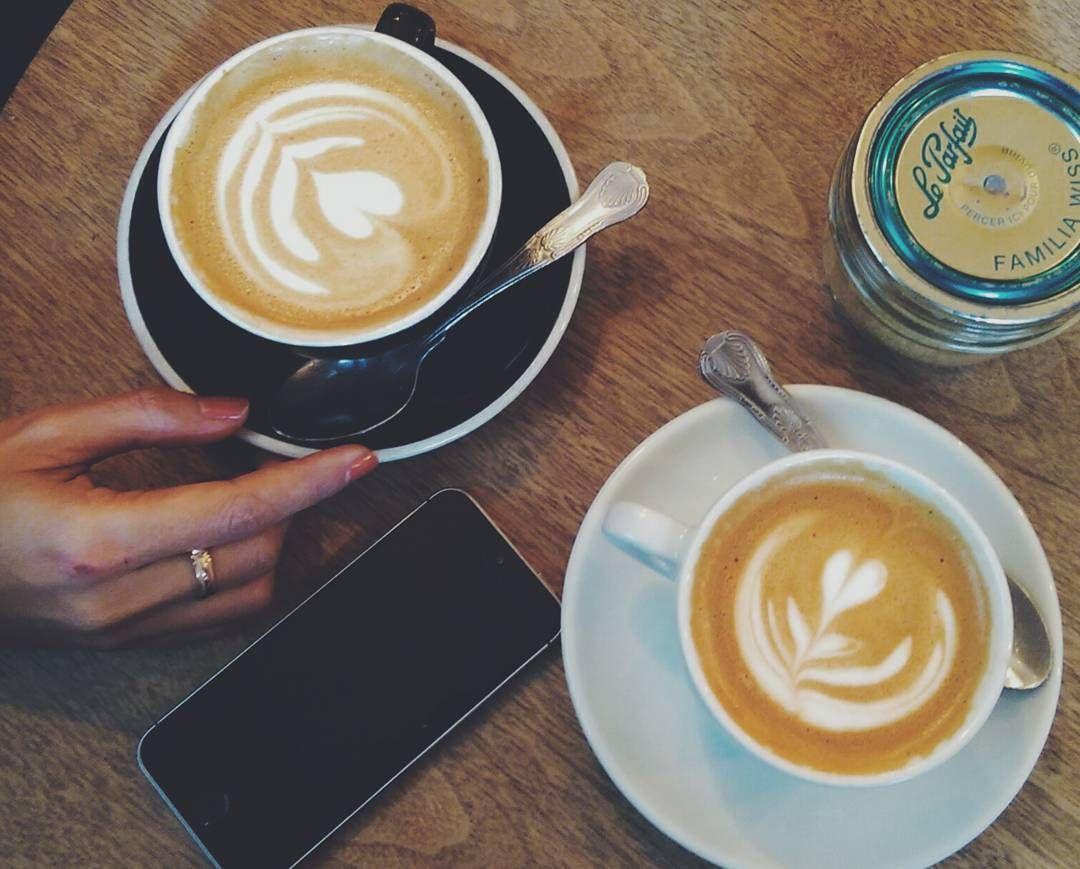 Di Flat White ya pesen flat white. kopi coffee london