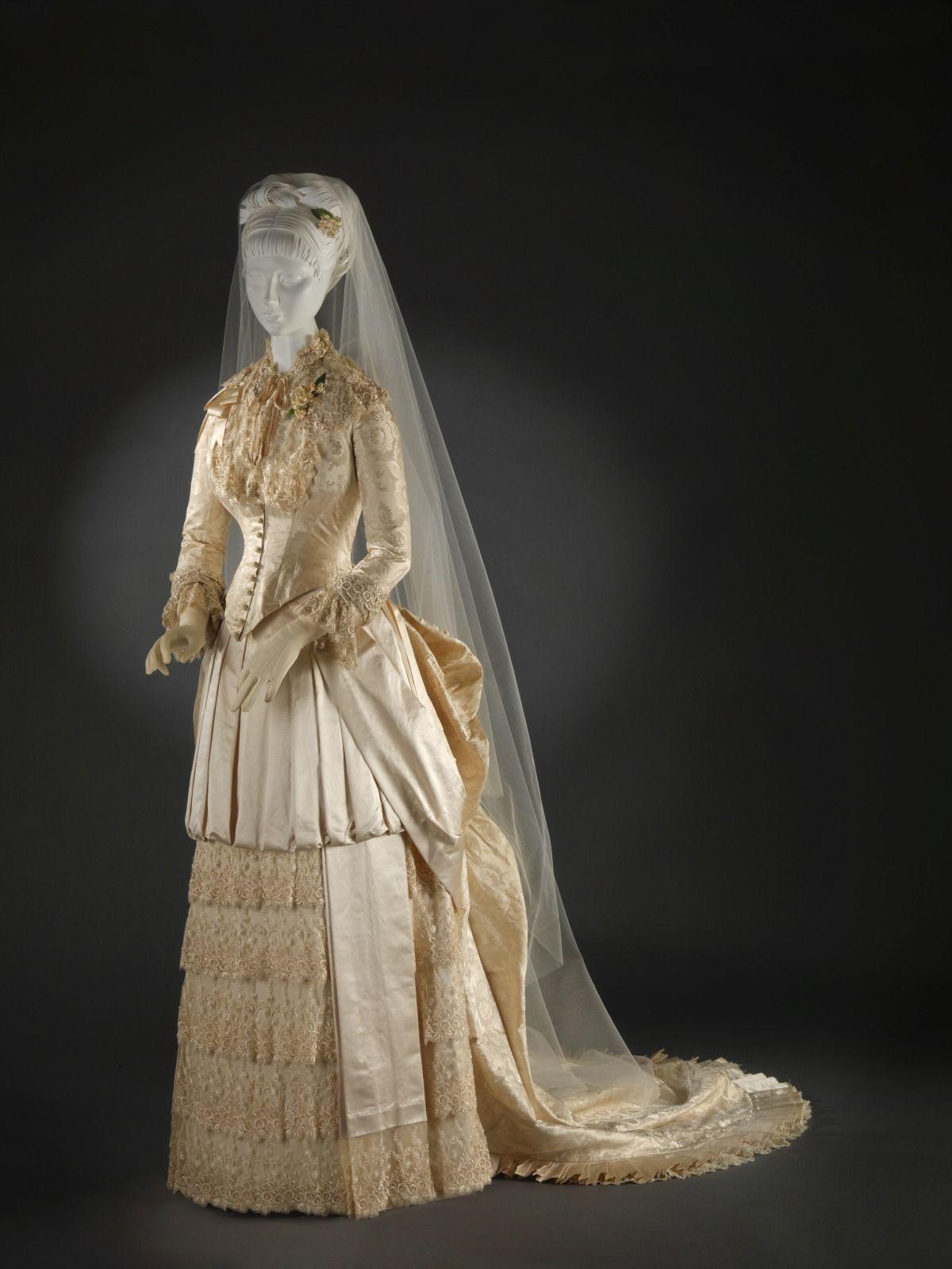 1885 wedding gown. Wedding gowns vintage, Wedding