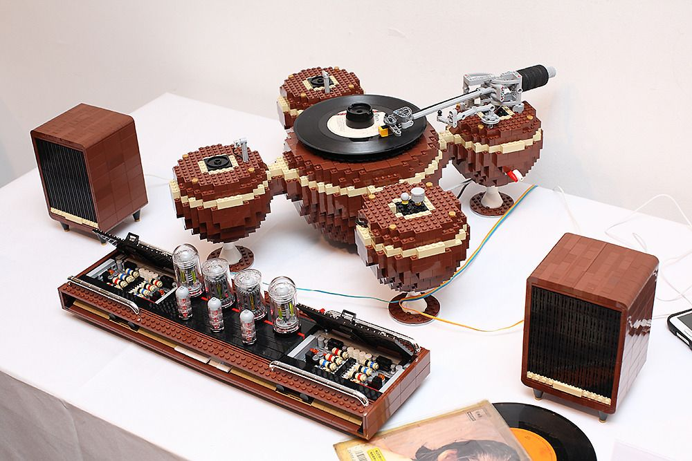 The Planet is a fully functional vintage-style 45 RPM turntable designed by Korean LEGO enthusiast Hayarobi in 2014 that was built from 2,405 pieces. The impressive project, naturally, contains som...