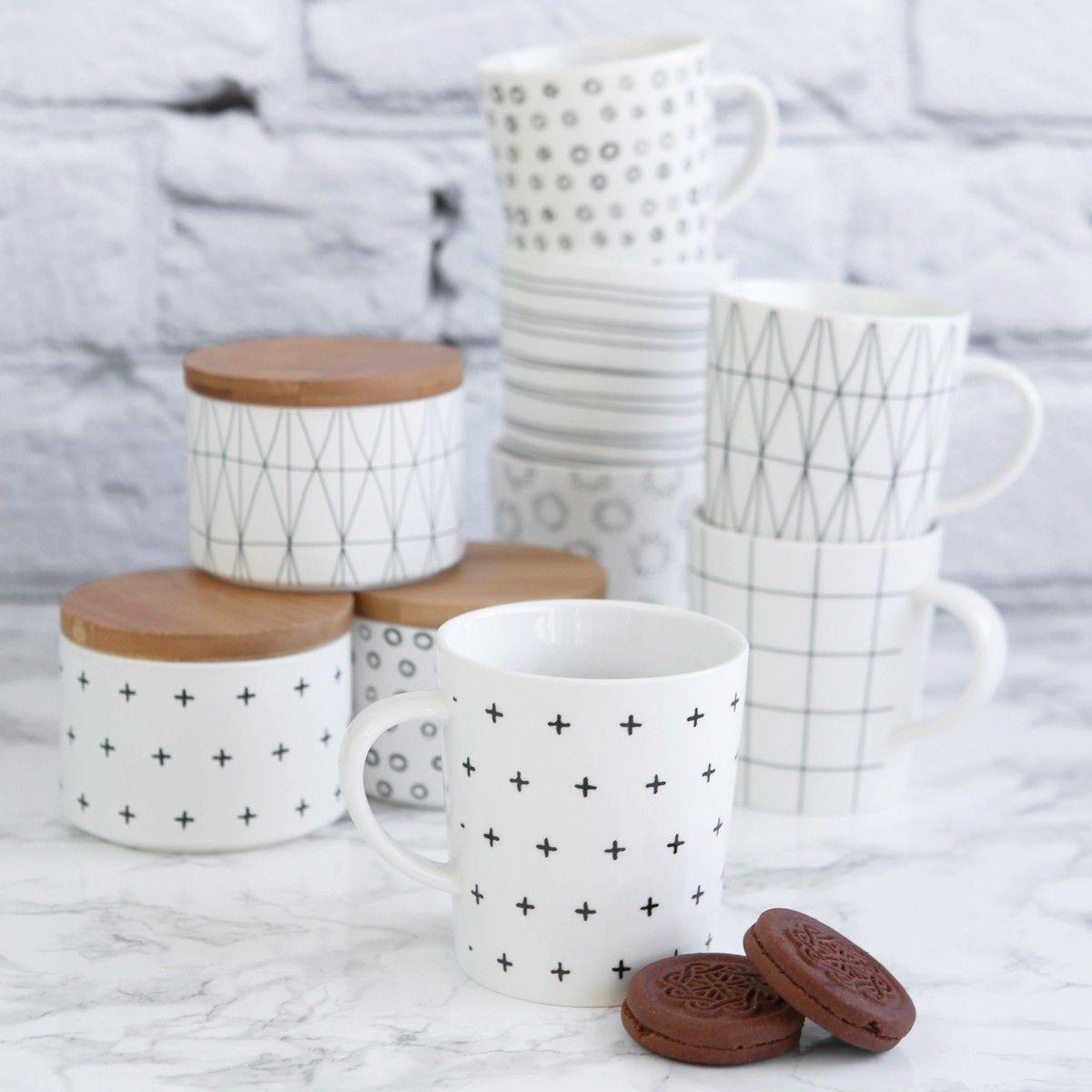 Idea miten voisi posliinitusseilla koristella astioita. (Martinex. Kauniit ajattomat posliinimukit graafisilla kuvituksilla.)
