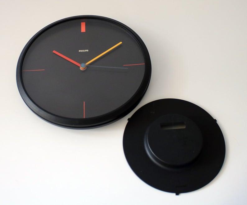 1980s Memphis Style Minimalist Wall Clock By Philips West Etsy In 2020 Minimalist Wall Clocks Wall Clock Clock