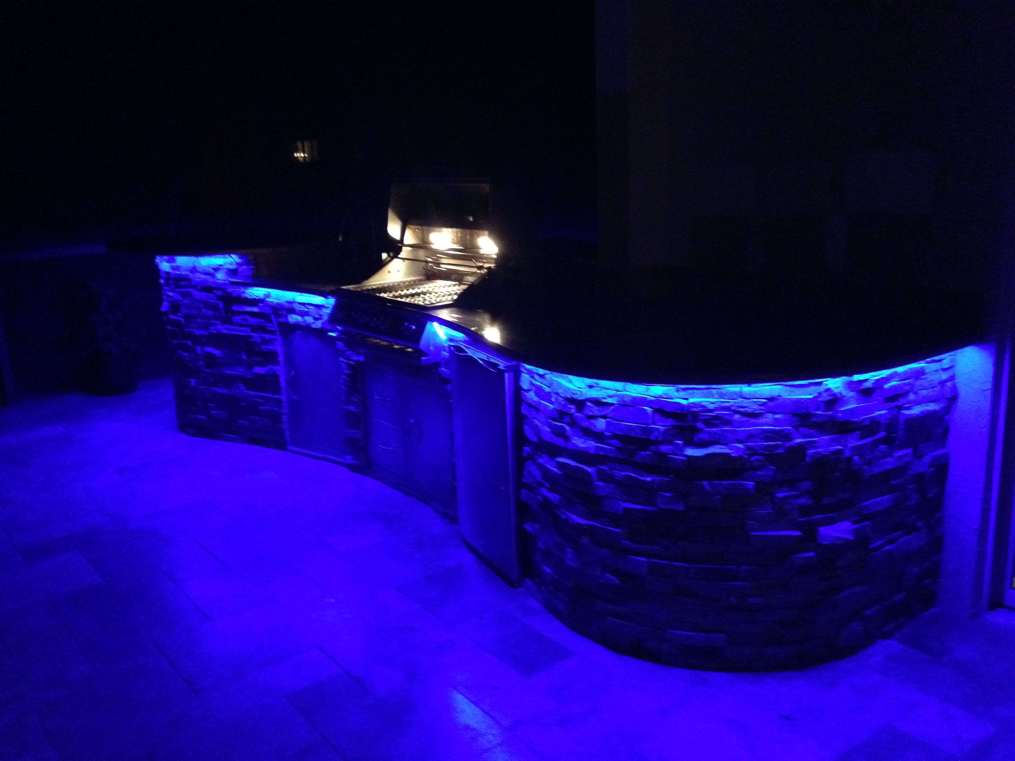 Charmant LED Accent Lighting Under Bar Top In Outdoor Kitchen