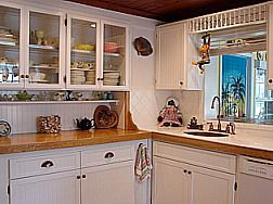 """check out the insert over the window.... small cottage kitchen decorating pictures 
