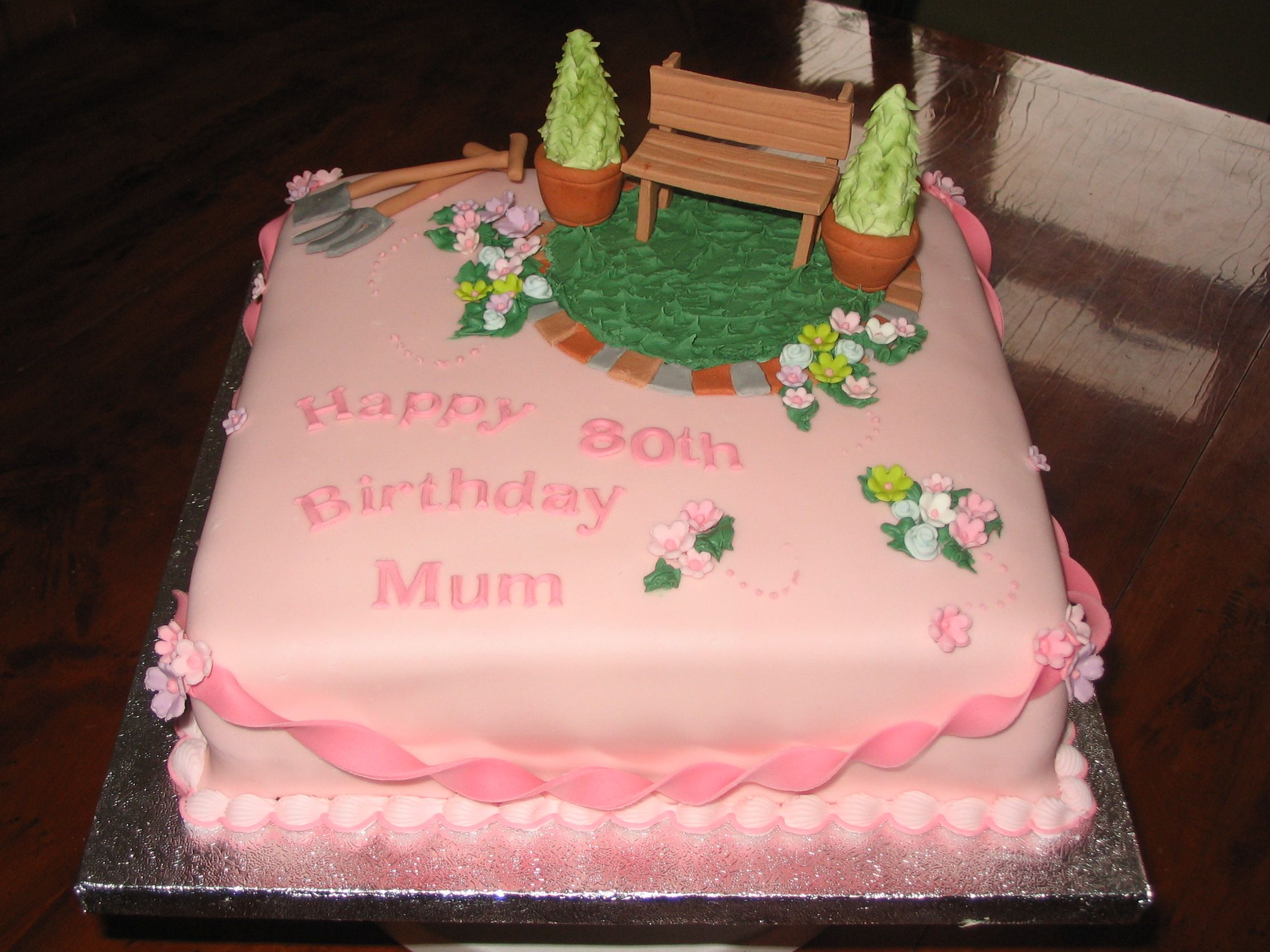 Garden 80th birthday cake grandma 39 s 80th birthday ideas for Gardening 80th birthday cake