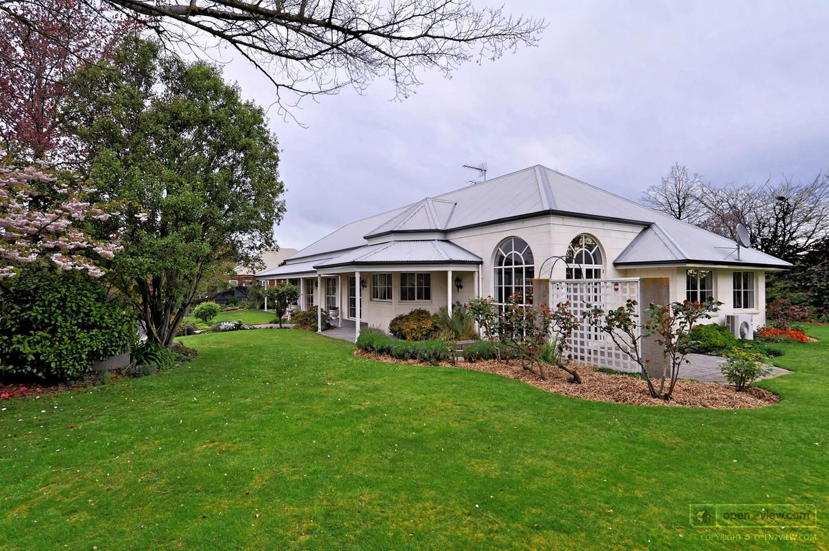 Open2view - Property #301337 Tour - 15 Roblyn Place, Lincoln ...
