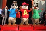 http://www.bubblews.com/news/2012283-alvin-and-the-chipmunks alvin and the chipmunks, Alvin, Theodore, Simon