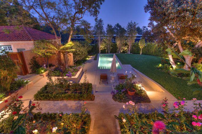 ロサンゼルスのバラ薫るイタリア風邸宅 ランドスケープデザイン