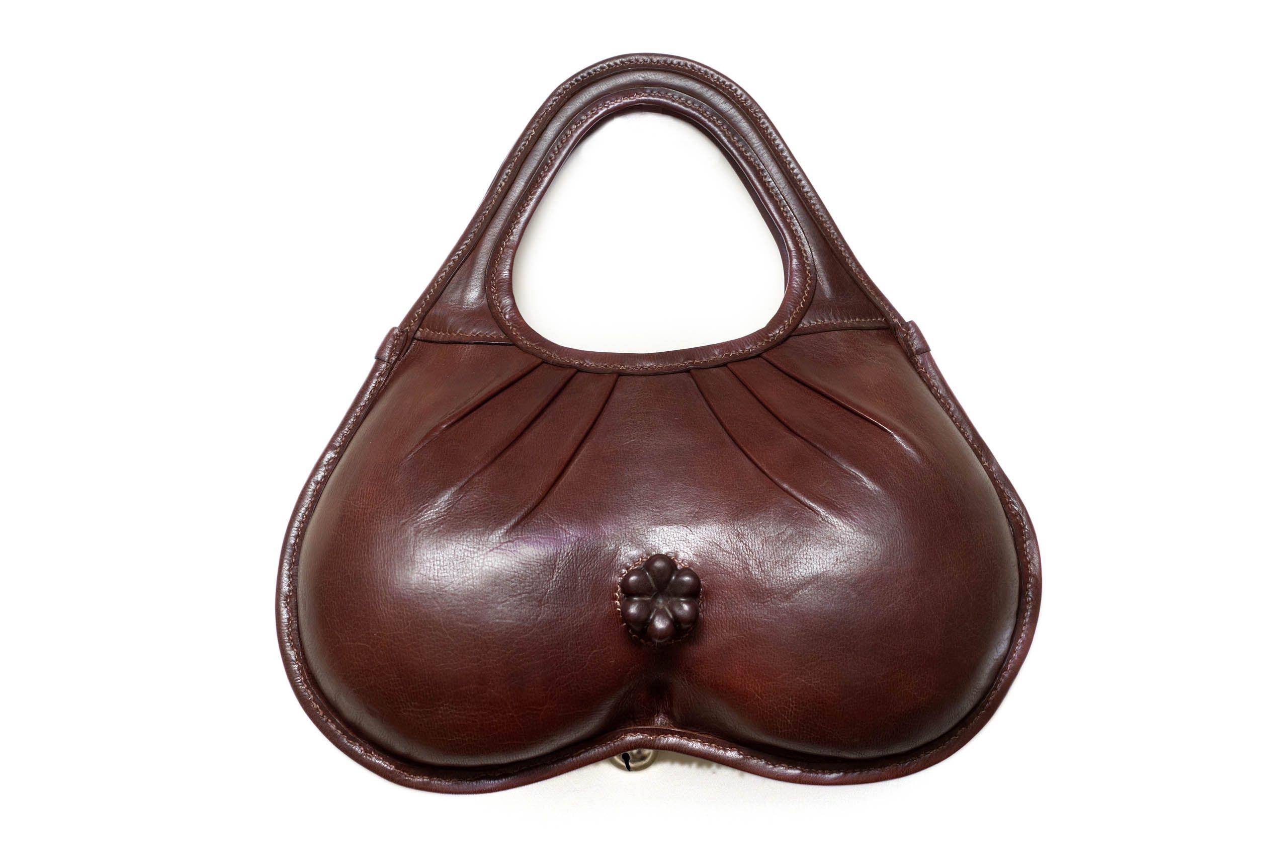 сумка в форме вылизует жопу мужику принципе