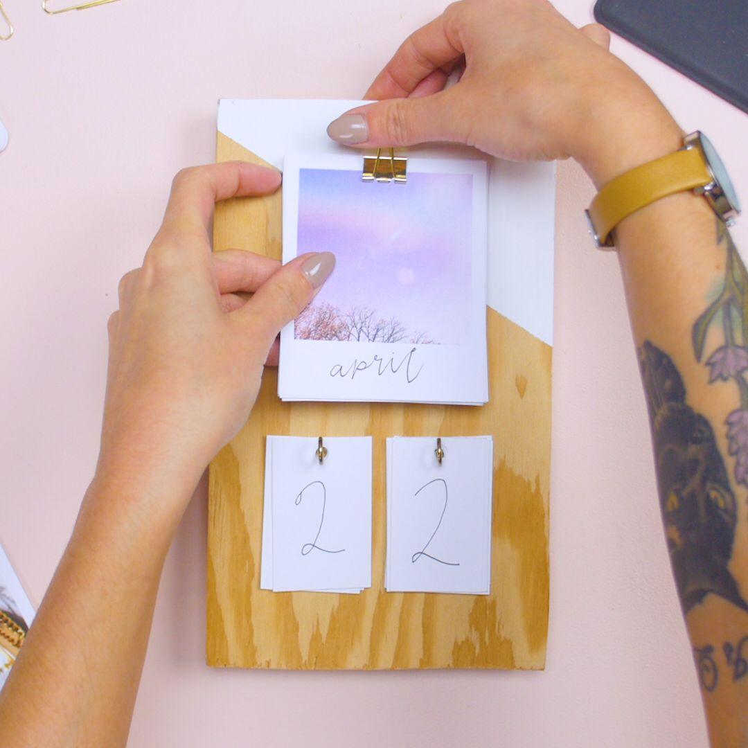 Your minimalist aesthetic will love this calendar DIY ...