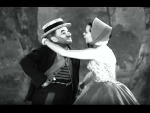 Charles Chaplin - Luzes da Ribalta (Theme From Limelight).mpg