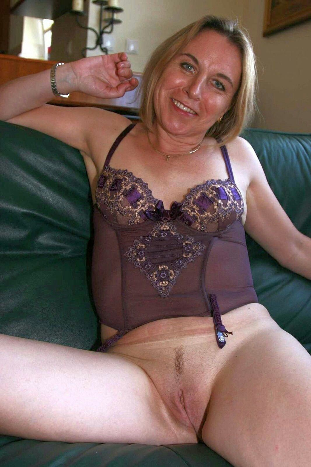 Mature ladies style naked can not