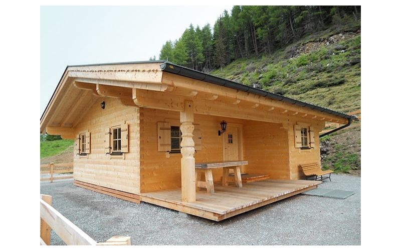 Blockhütte aus Rundholzstämmen Holzhütten, Jagdhütten