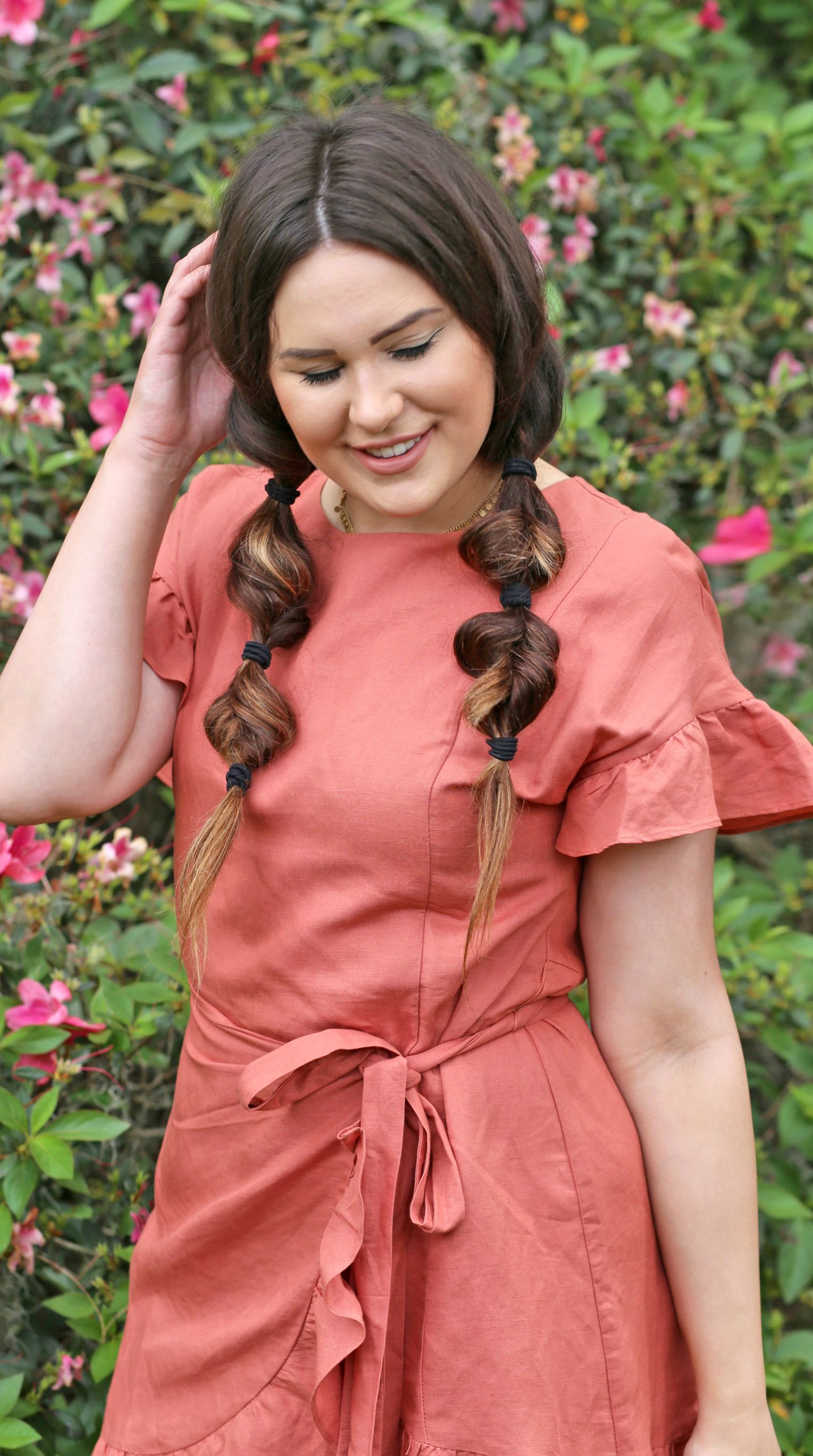 Get this easy heatless hairstyle for spring mash elle the blog
