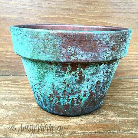 I Finally Tried Out The Patina I Used The Copper Paint And The Green Spray On A Terracotta Pot That I First Pai Copper Patina Diy Patina Diy Dixie Belle Paint
