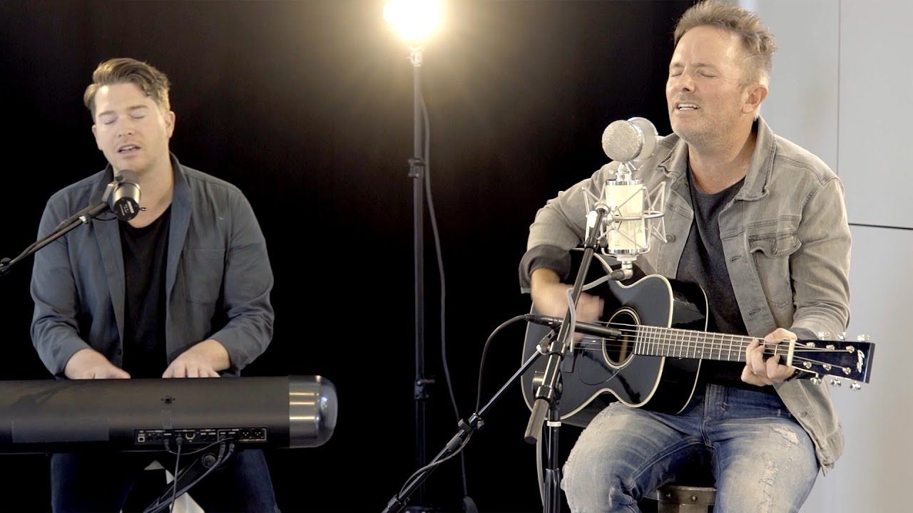 He Lives Chris Tomlin New Song Cafe Acoustic Christian Music