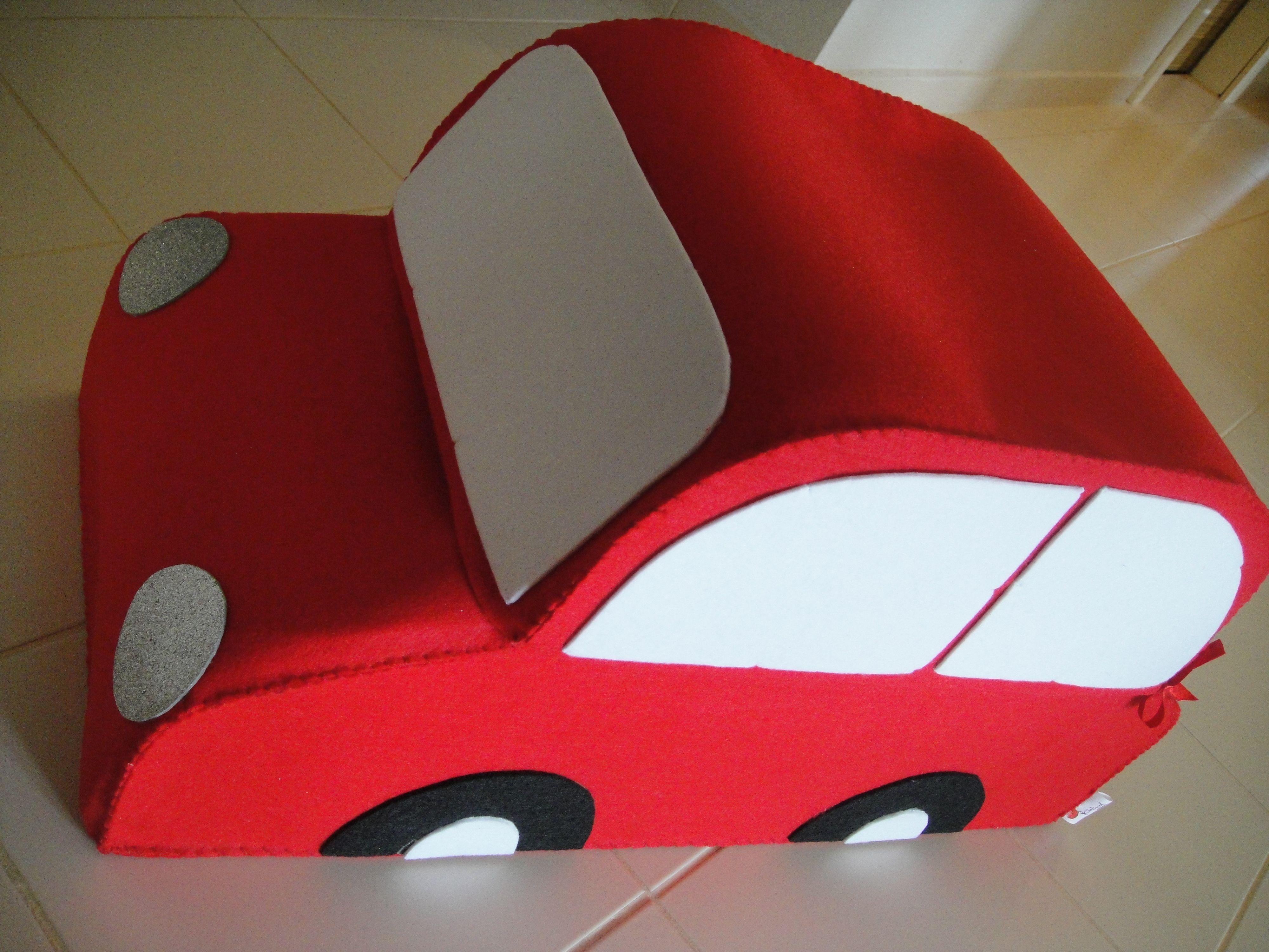 Keçe Araba facebook.com/gelinciktasarimnet sayfasında bu ve benzer tasarımları inceleyip sipariş verebilirsiniz...