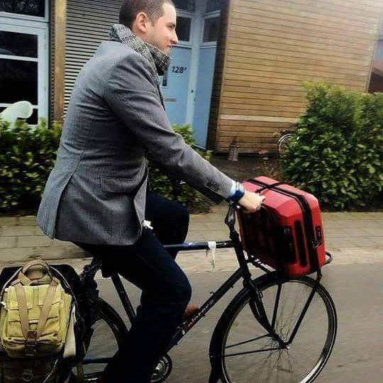 ¡Gracias por enviarnos sus fotos! Nos gusta un montón el rebozo alrededor del cuello   #telar #loom #unisex #textures #texturas #textil #textile #modaetica #ethicalfashion #revoluciondelamoda #fashionrevolution #fairtrade #comerciojusto #fairtradefashion #consumelocal #compralocal #buylocal #mexico #oficio #craft #Tlaxcala #menswear #bici #bike #bicicleta #bicycle #algodón #cotton #telardepedal #footloom