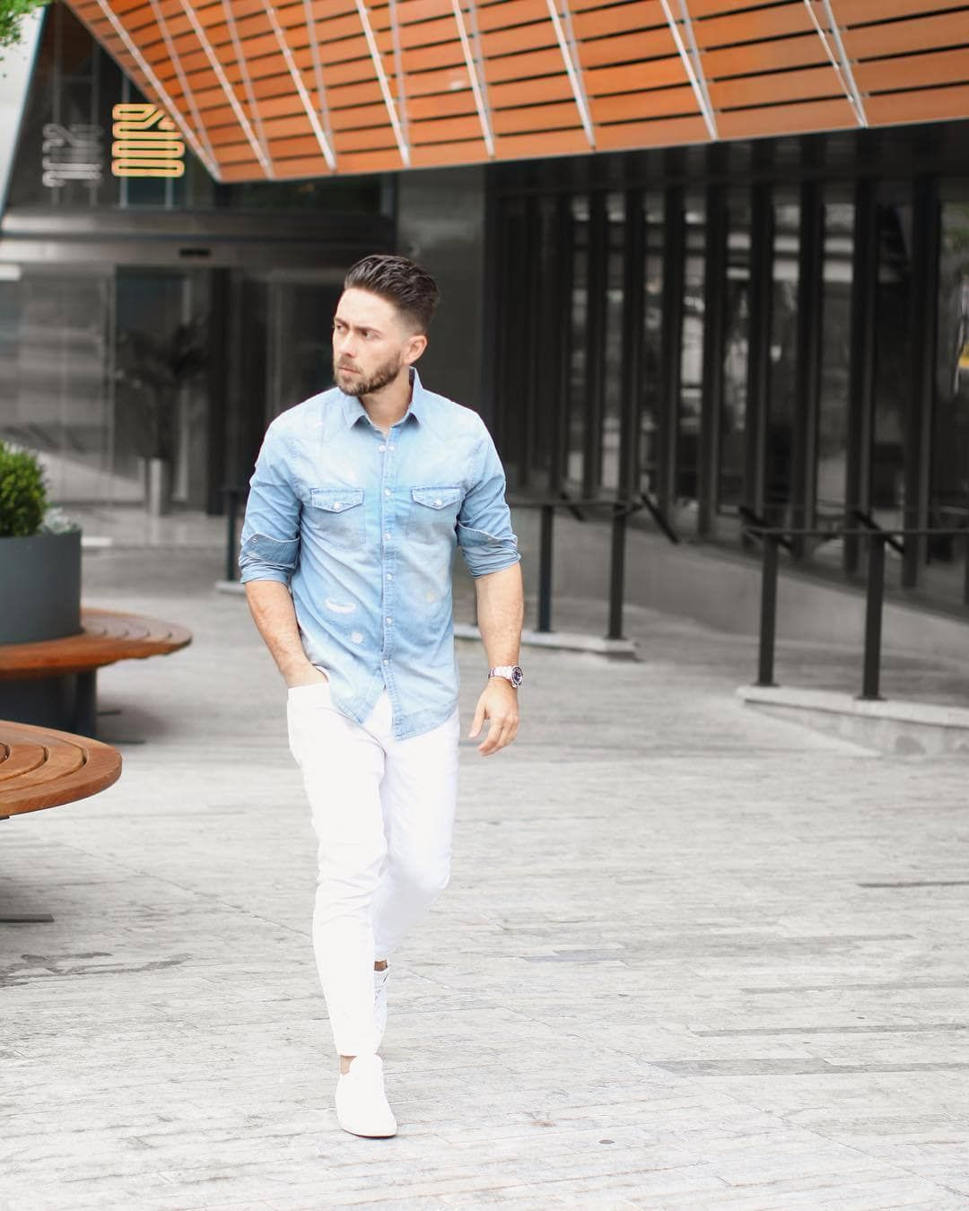 White jeans outfit mens