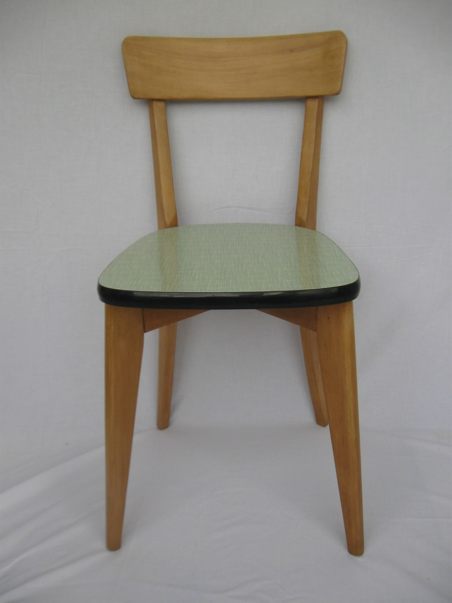 Chaises Hetre Et Formica Annees 50 Reservees Relook Vintage Chaise Meuble Vintage Chaise Bistrot