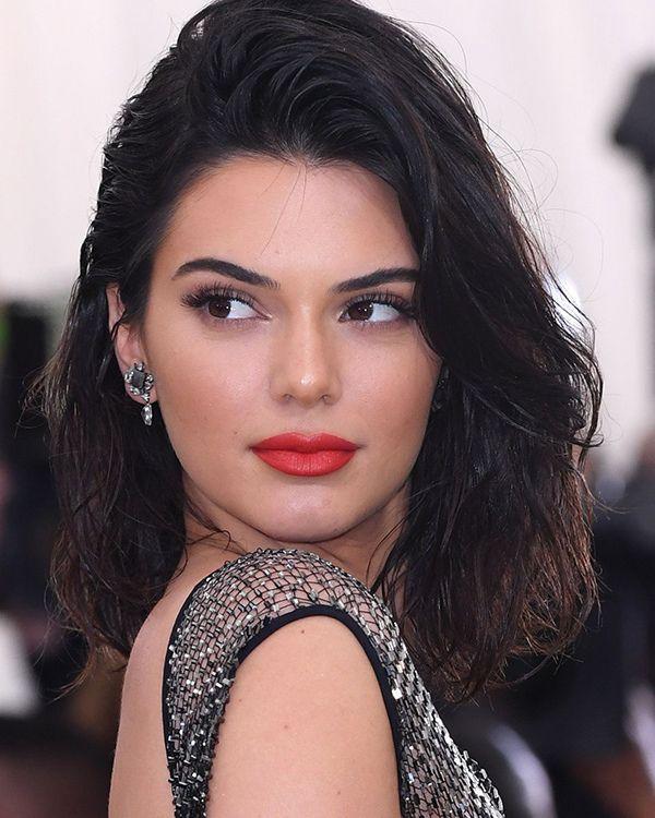 Kendall Jenner Rocks Feminine Waves & A Bright Red Lip At