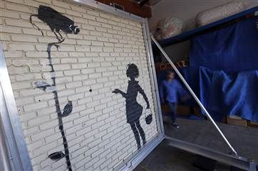 Banksy Gas Station Mural Sells For 209 000 At Auction Banksy Mural Banksy Mural