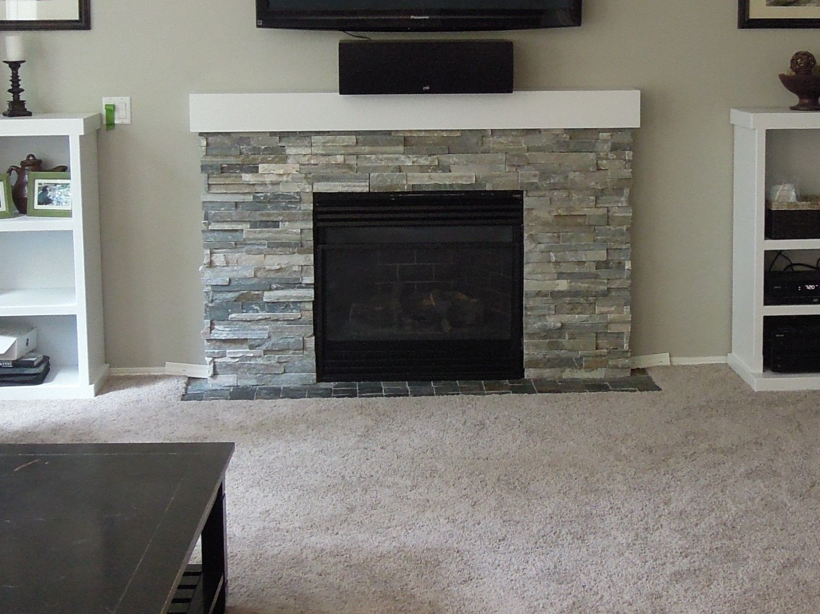 Roman Beige Ledger Stone Accent Wall And Fireplace Surround. Brown  Travertine Ledger Stone, Stone Genial Kamin ... Steinplatte Kamin Surround  California ...
