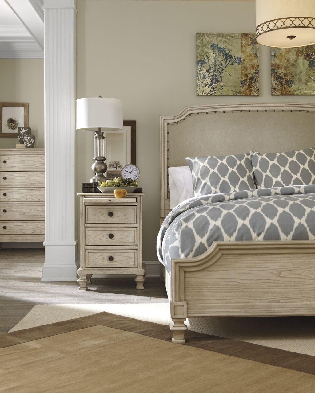 Ashley furniture demarlos king upholstered panel bed b693