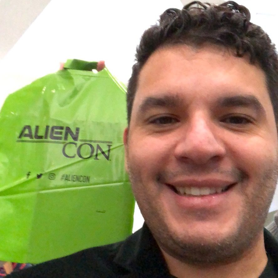 Pin By Sean Bradley On Aliencon Baltimore 2018 Laundry