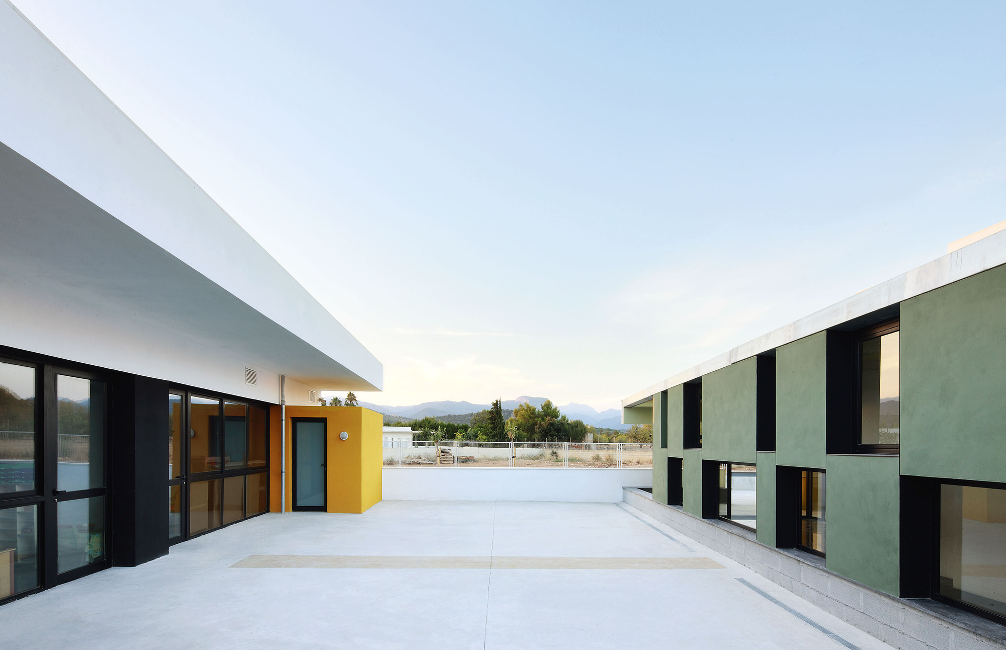 Gallery of Consell Kindergarten / RIPOLLTIZON - 6