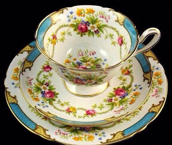 Xícaras de Chá com flores, absolutamente lindas!!! | Xícaras de chá, Pires  de chá, Ideias para o chá
