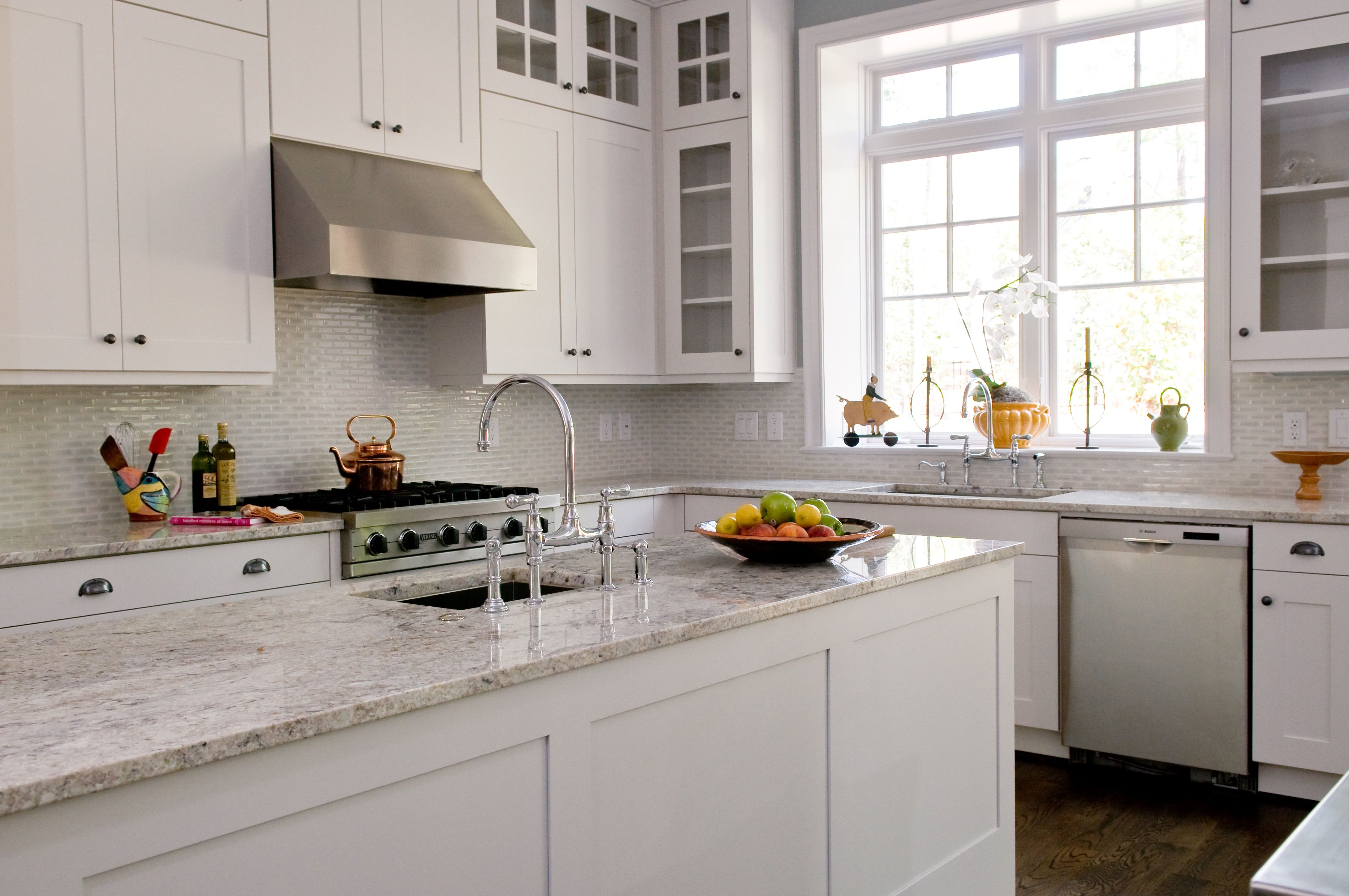 White Custom Kitchen By Cks Design Studio Cks Custom Kitchens